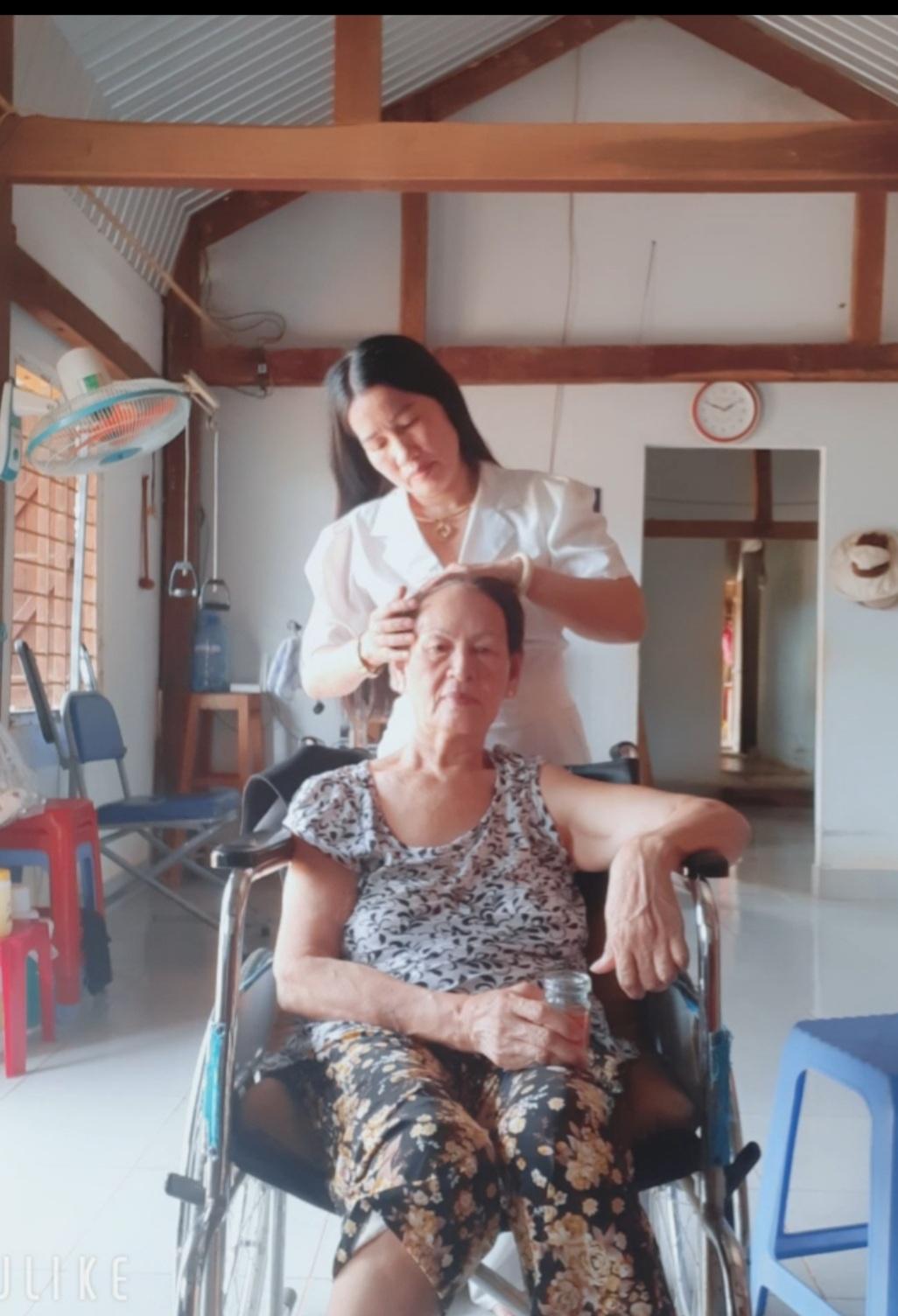 dai-su-nha-ai-hien-thuong-17.jpg (266 KB)